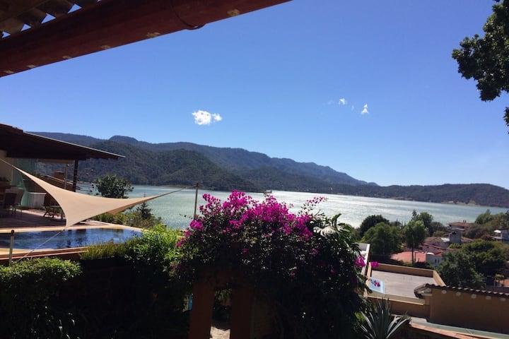 Mi pequeño paraíso en el centro de Valle de Bravo