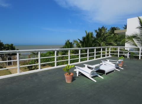 PUNTO4: Caribbean seafront Barranquilla/Cartagena!