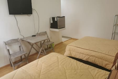 Habitacion privada, 2 camas y baño completo