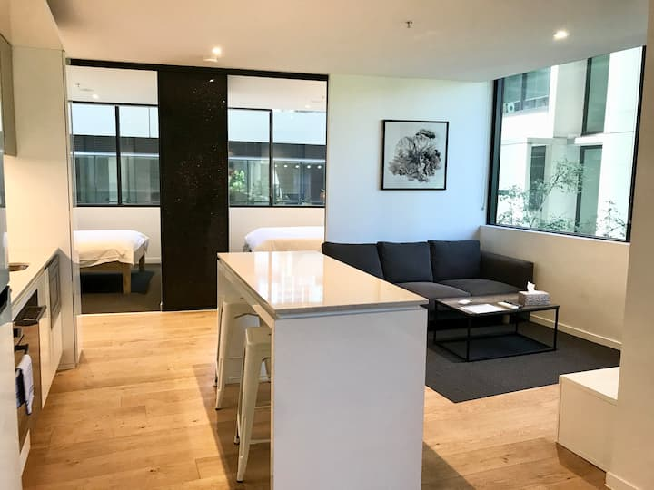 City modern 2 bed apartment with Wifi