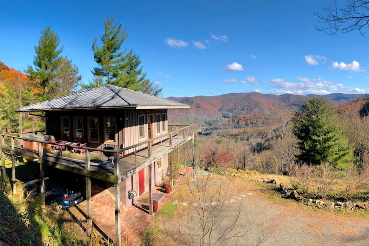 Sunrise Lookout Mountain-Top Home