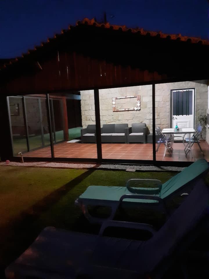 Casinha rústica V. Piães - PONTE DE LIMA.