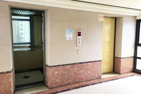 兩個電梯可使用