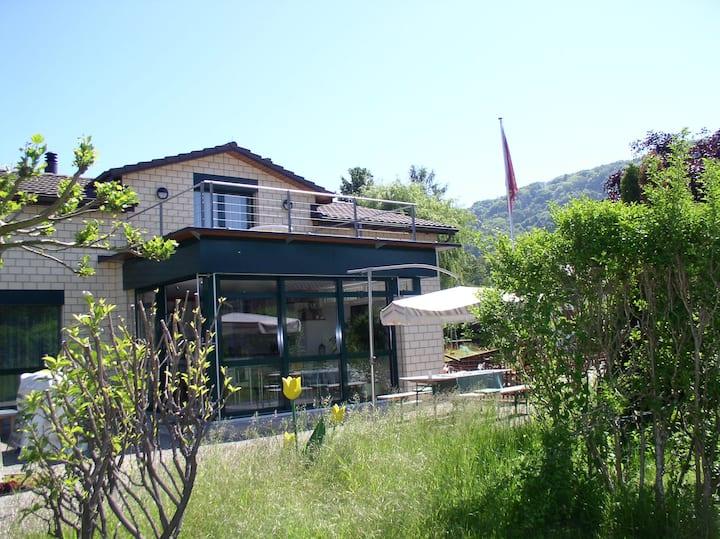 21/2   110 m2 Wohnung mit  Terrasse  in Cheyres