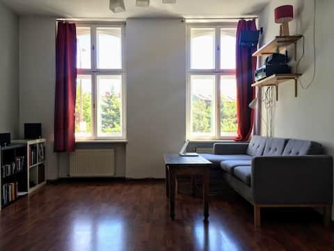 Przestronne mieszkanie na starówce. Self check-in