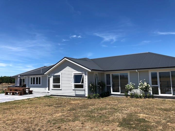 Modern Rural Home Close to Masterton Aerodrome