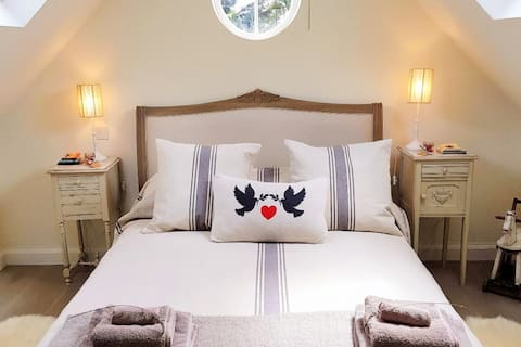 Cotswold Luxury, Cirencester, walks, pubs, shops