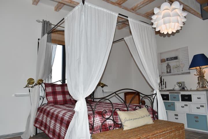 """Cottage """"Les Oliviers"""" à BAGARD (Gard)"""