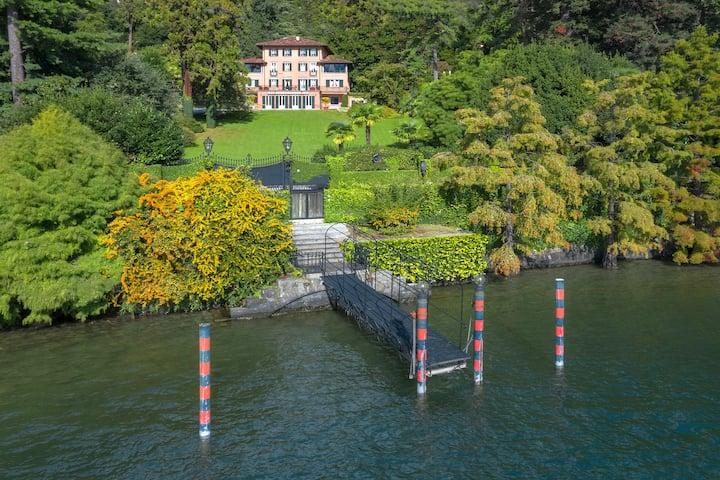 Luxury villa with pool, tennis & more! Villa Fedra