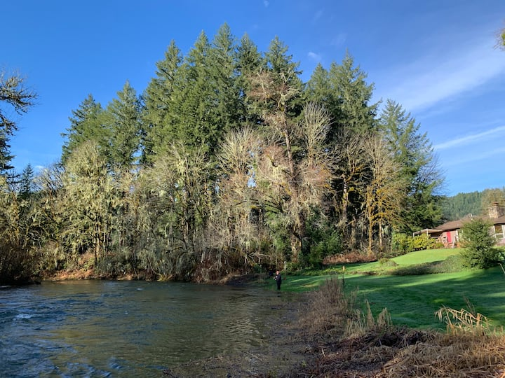 Riverside retreat / North Fork Alsea river