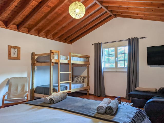 Cozy Elegant Studio · Bedroom
