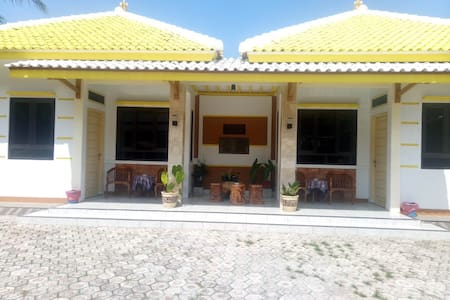 Twin left and right mini bungalow