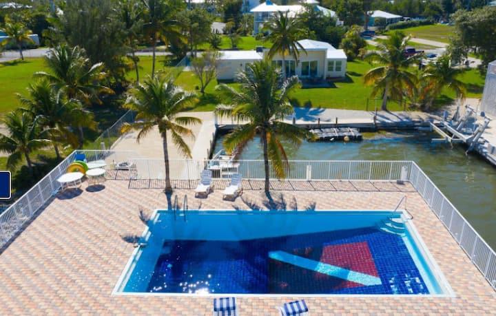 Florida Keys Fisherman and Divers Paradise