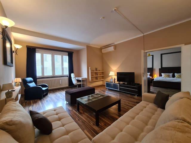 City Central Apartment -120 m2 -Free parking