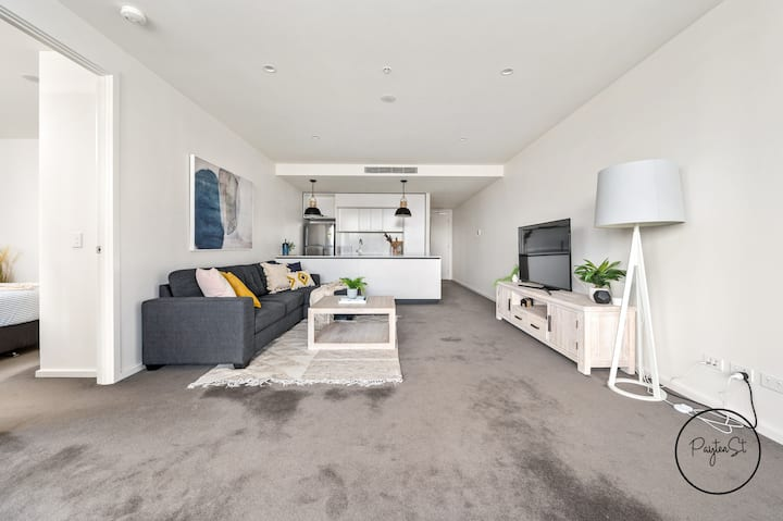 Happy Honeysuckle - wifi included - No Airbnb Fees