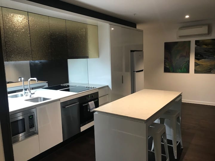 CBD 2 Beds 1 Bath Apartment -  Good location