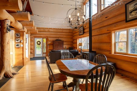 Muskoka Log Cabin for Two, on 90 Forested Acres