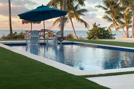 The Russell Estate, 2 Acrs on OCEAN,  tropical 3/2