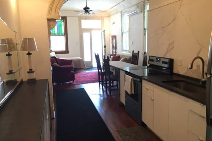 Nice 2Br French Quarter apartment