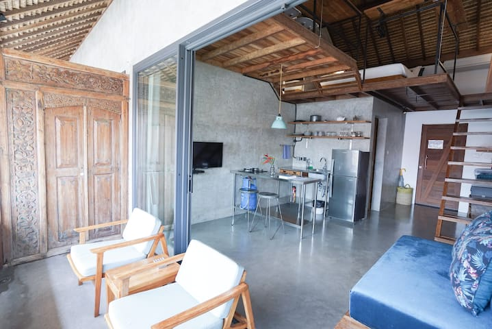 Loft with kitchen, 300m walk to the beach (#1)