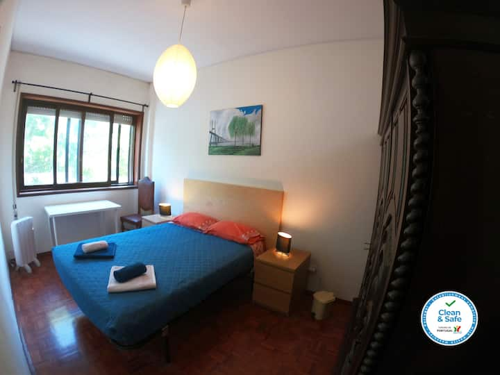 Private bedroom at Porto nearby Douro River