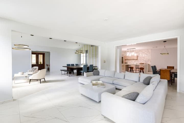 Ritz Dorado Beach Family Estate