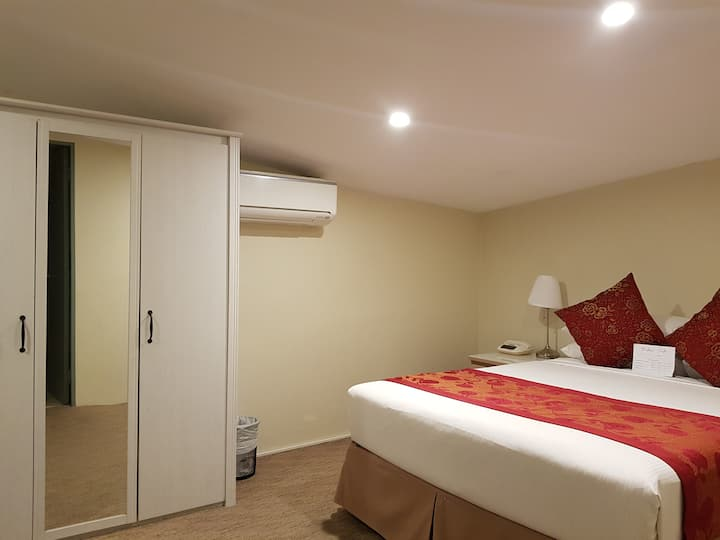 Flat 1 : Private Room&Bathroom From $395 per week