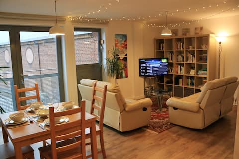 ✔ Home in the heart of Glasgow's vibrant West End