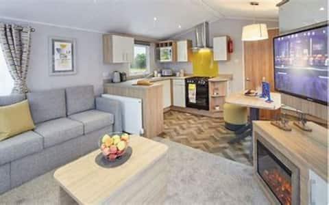 Luxury 8-Berth Caravan for rental in West Wales