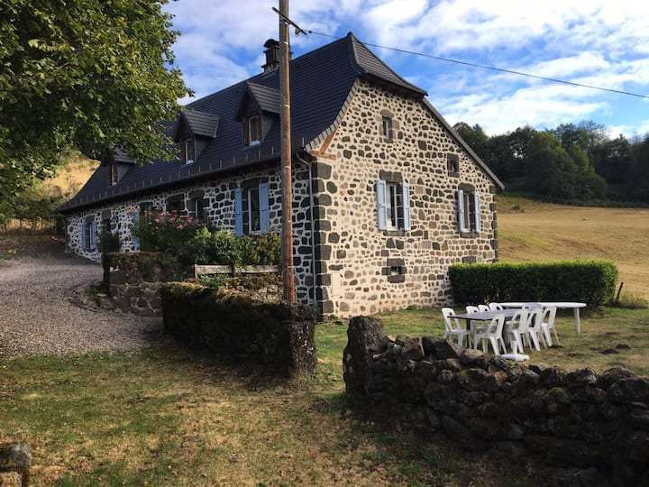 Large holiday cottage in the French countryside