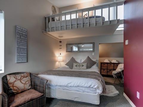 Your private Zen room, James Bay #00036280