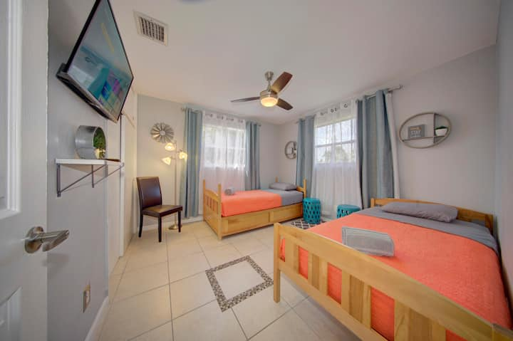 Modern 3BR/2BA Family Home in South Florida