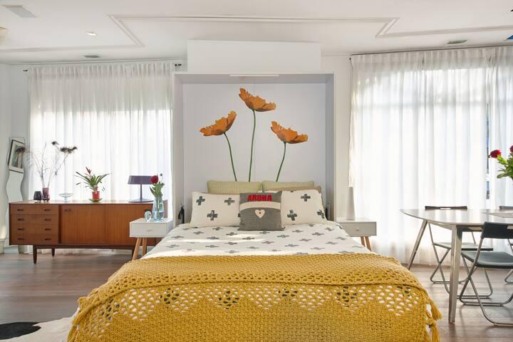 Beautiful Designer Apartment Near Harbour and City