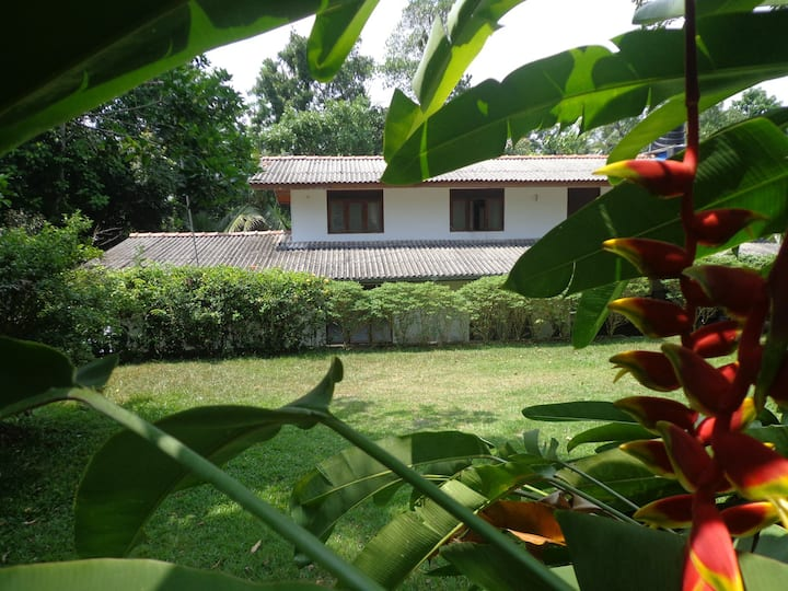 4 BR Holiday Home -  Brown's Edge Residence -Galle