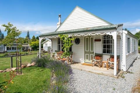 Leven St Cottage