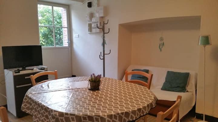 Murat - appartement indépendant sur jardin
