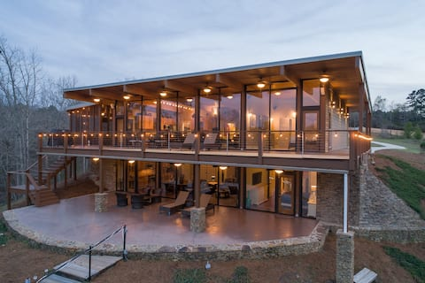 Frank Lloyd Wright Inspired Showhome on Smith Lake
