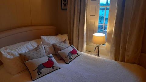 Alnmouth Village, Cosy Bedroom & Private Bathroom