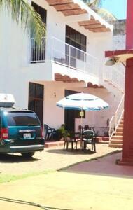 acceso vehículo hasta puesta habitación solicita hospedaje planta baja no tiene problemss de acceso