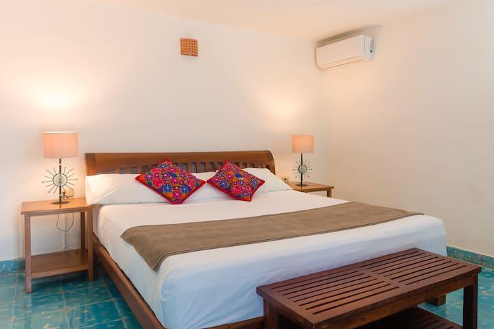 Caribbean Room in Unbeatable Location