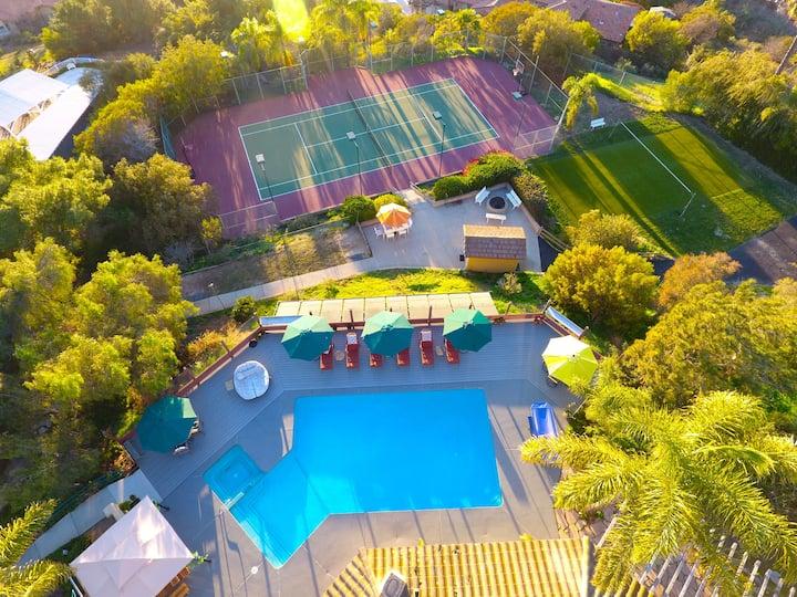 Hideaway Hill - Vista's Unbelievable Private Oasis