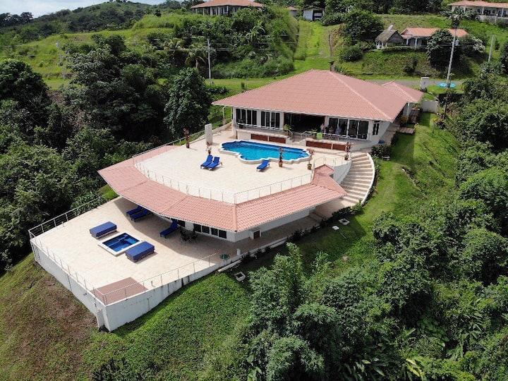 Luxury Fishing Lodge Playa Morrillo