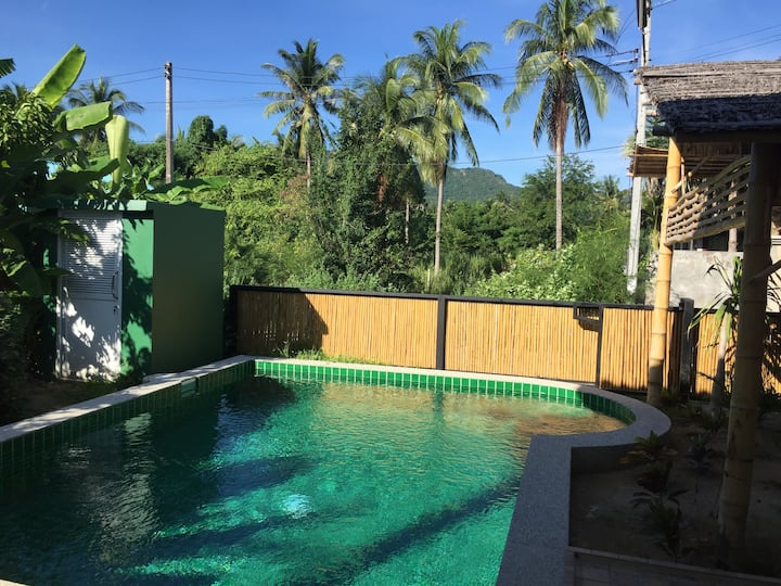 Baan Lek Pool Villa