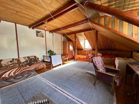 Терскол. Уютная квартира с мансардой. Вид на гору