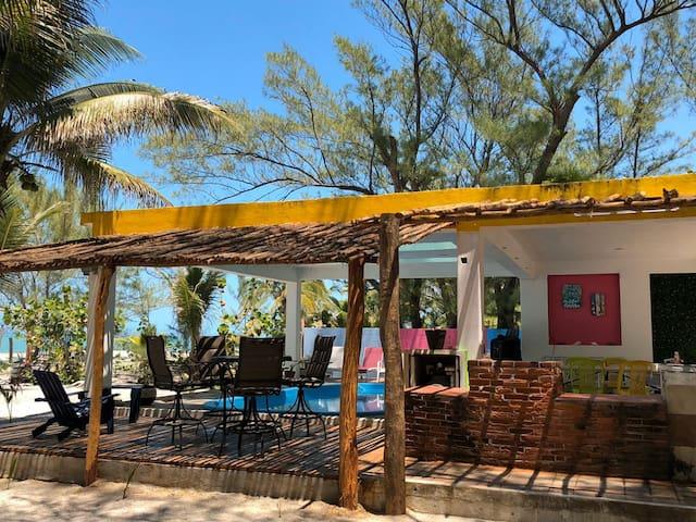 Casa vacacional frente mar PLAYA PINK isla aguada.