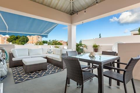 """The Rooftop Views Penthouse  """"Kasa Playera"""""""
