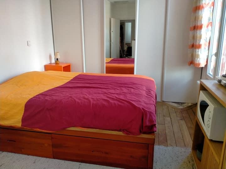 Grande Chambre avec SDB privée+petit coin cuisine