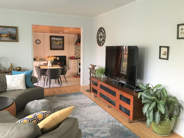 1BR house in Los Alamos downtown
