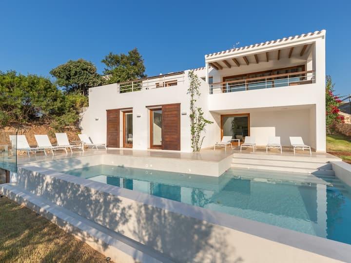 Modern Villa situated in Mahón Port, Menorca