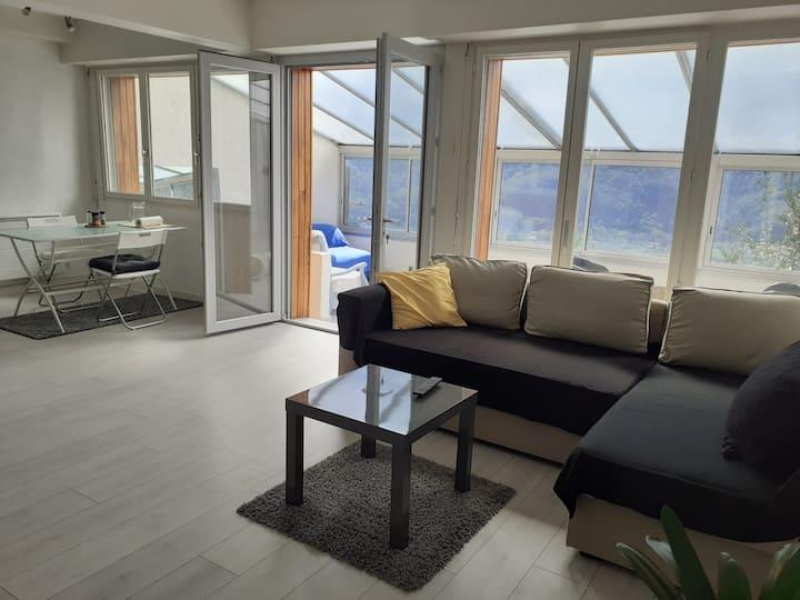 appartement dans maison, vue sur les massifs